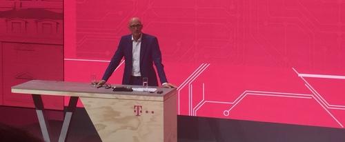 Timotheus Hottges, Deutsche Telekom's CEO, gives 5G technology his bald endorsement.