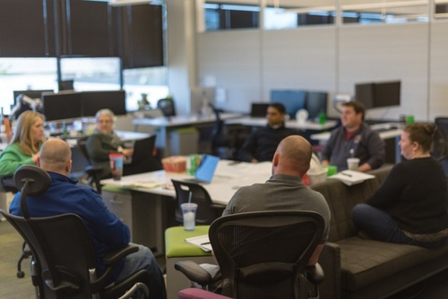 Desks and chairs can be adjusted to different heights and moved around to accommodate the specific working group.