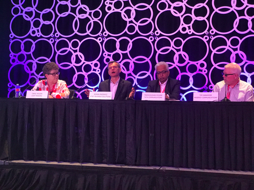 Light Reading's Carol Wilson (l) talks network transformation with (l-r) AT&T's Roman Pacewicz,  Tata Communications Transformation Services' Madhusudhan Mysore and Masergy Communications' Tim Naramore.