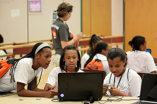 Girls in Philadelphia's Geek Squad program. (Source: Technical.ly)