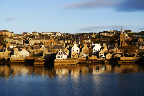 Stromness in the Orkneys: Bracing itself for Storm Caroline, and 4G.
