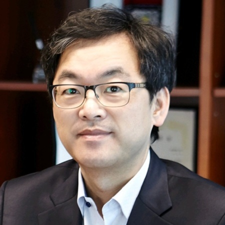 Alex Choi has effectively taken over from Bruno Jacobfeuerborn as CTO.