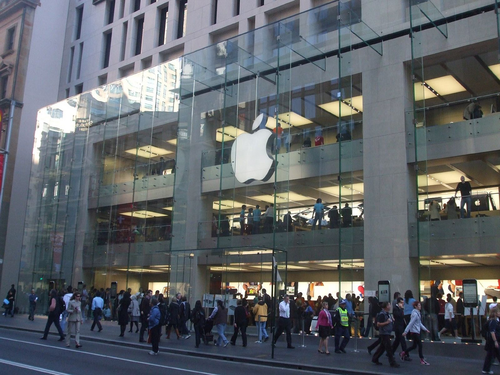 Apple Store, Sydney. Photo by John Bragg (CC BY-SA 2.0)