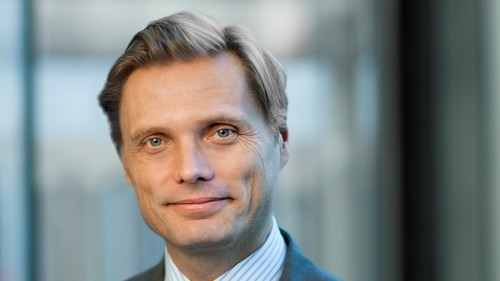 Ericsson's Fredrik Jejdling is on a recruitment bender.