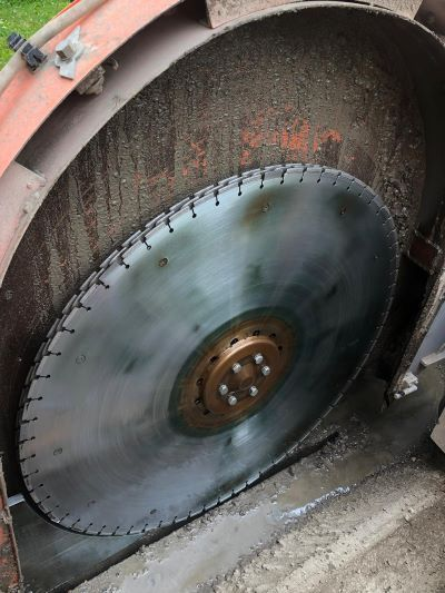 Openreach's FTTP operatives are trying out a specialized trench-digging tool that incorporates diamonds into the giant rotating cutting blade.