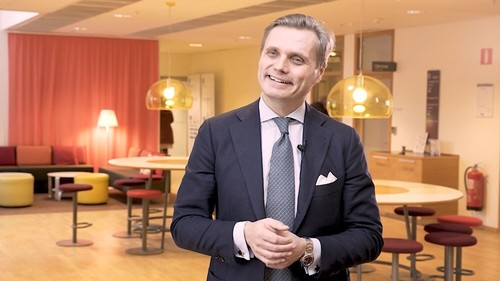 Ericsson's Fredrik Jejdling says his firm can quickly replace Huawei's UK equipment.