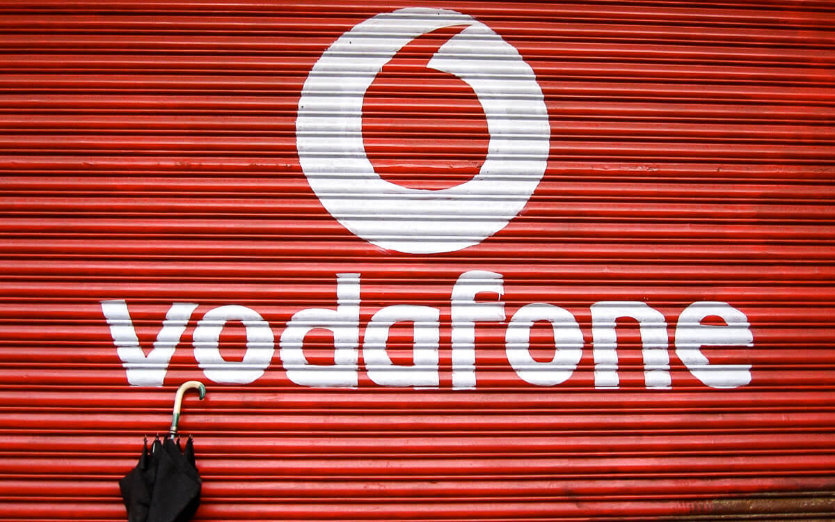 Into every life: The tax dispute between Vodafone and the Indian government has dragged on for more than ten years.  (Source: Arti Sandhu on Flickr CC 2.0)