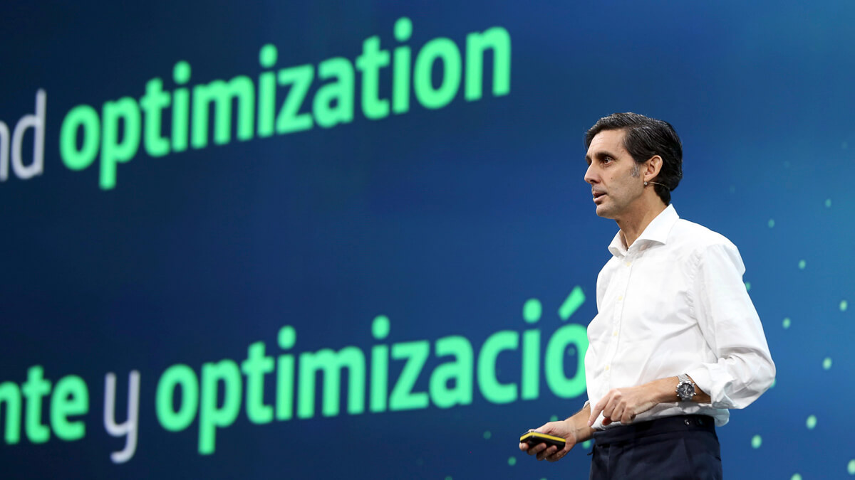 Talk it up: Telefonica CEO Jose Maria Alvarez-Pallete is upbeat about the future, as the company announces a FTTH deal with Allianz.  (Source: Telefonica)