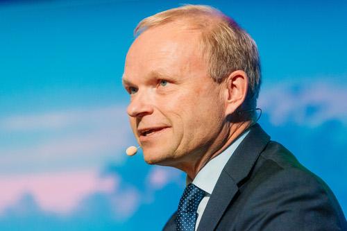 Nokia's Pekka Lundmark is under pressure to turn around the Finnish vendor.