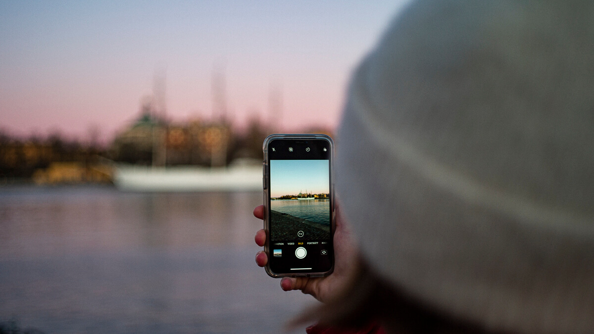 Photo finish: Despite Huawei's best efforts Sweden's 5G auction is set to go ahead on January 19.  (Source: Hannes Netzell on Unsplash.)