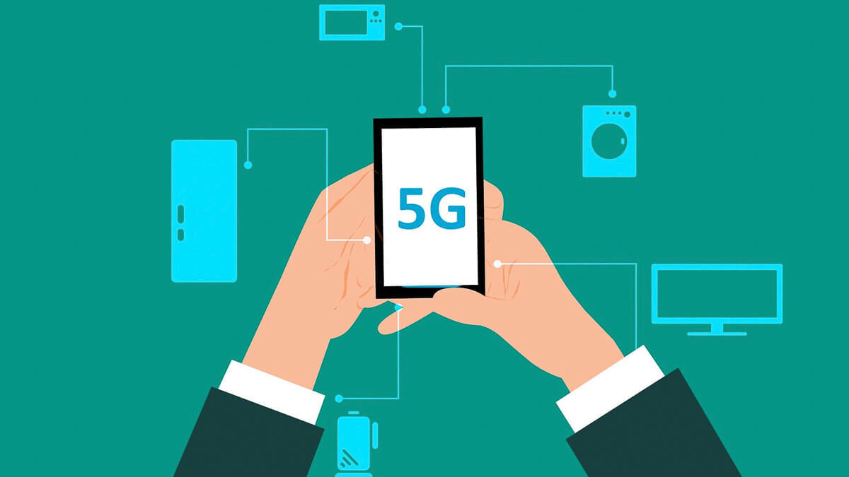 Something in the air: As 5G continues to roll out, IoT will be a key driver. But should we be more cautious? (Source: mohamed Hassan from Pixabay)