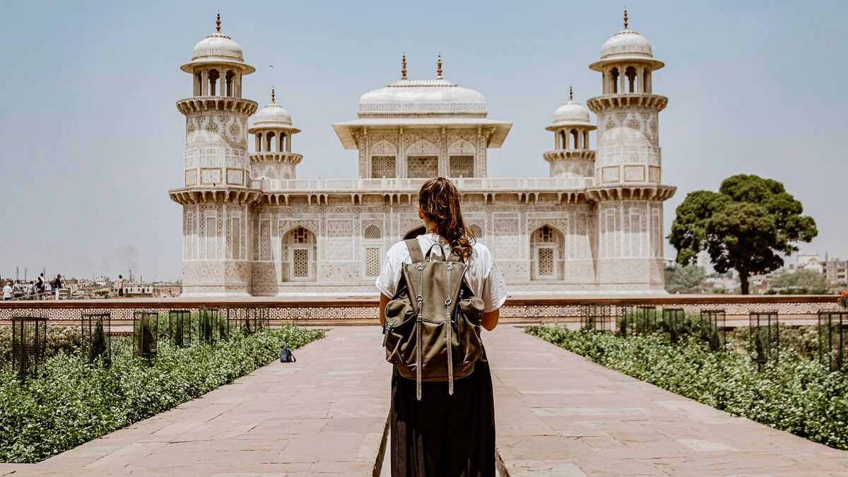 Just passing through? Mavenir – headquartered in the US – may seem more like a tourist rather than a permanent resident in India, according to rivals.  (Source: Ibrahim Rifath on Unsplash)