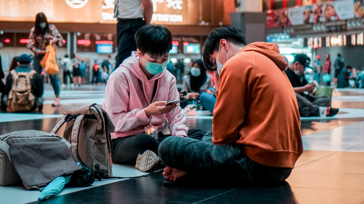 Waiting for the 5G train: Taiwan's Chunghwa Telecom is investing heavily in 5G rollout over the next year.  (Source: Lisanto 李奕良 on Unsplash)