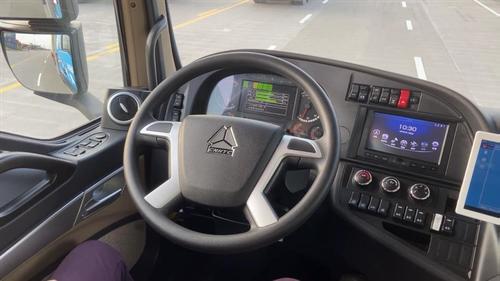 Figure 2 5G driverless smart container trucks