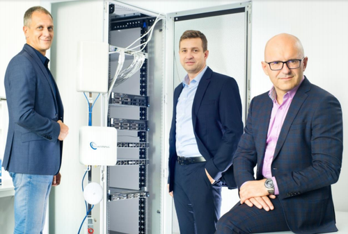 IS-Wireless CEO Slawomir Pietrzyk (right) is no fan of FlexRAN.