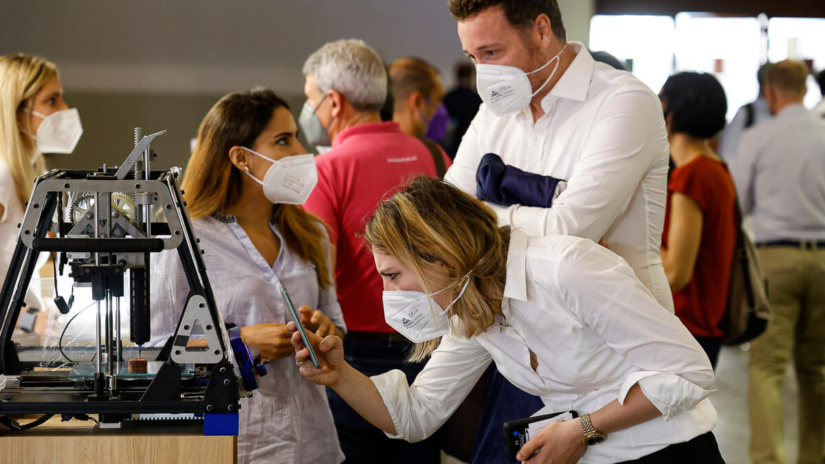 Hot ticket: Despite the need to wear masks - and the sizzling summer temperatures - the hardy braved the steamy interior of the Fira.  (Source: MWC Barcelona)