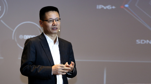 Kevin Hu, president of Huawei Data Communication Product Line, making a keynote at the summit.