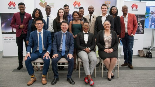 Huawei executives, DCDT Minister Stella Ndabeni-Abrahams and the Seeds for the Future 2019 students.