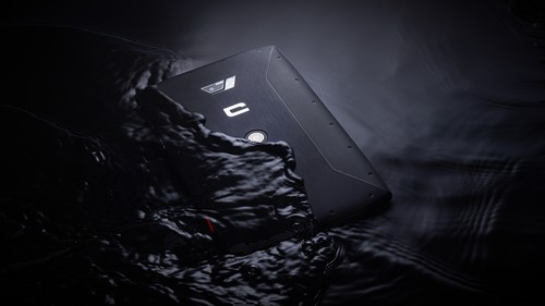 The CORE-T4 tablet is waterproof and can be used for underwater photography.