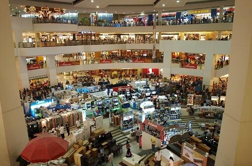 Keep 'em shopping (Source: Ed_Davad via Pixabay)
