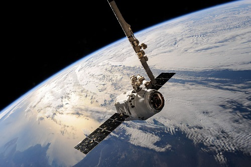 SpaceX Dragon (Source: SpaceX)