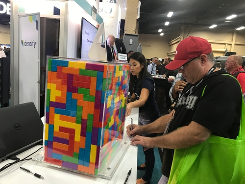 A contest at the Densify booth: Guess the number of workloads in the block and win a prize. I guessed 'more than two' but did not win. What a ripoff! Densify provides cloud tools for workload placement.