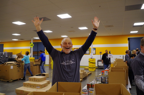 Cisco's Joe Pinto volunteers at the Second Harvest Food Bank.