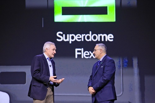 Dr. Paul Shellard, Director of COSMOS group (l) talks with HPE President Antonio Neri at Discover in Madrid.