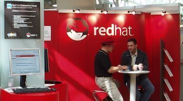 Red Hat, 2004. Photo by Igelball at German Wikipedia GFDL or CC-BY-SA-3.0, via Wikimedia Commons