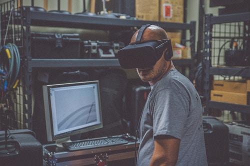 Virtual reality is disrupting manufacturing and product develop. (Image: Eddie Kopp, Unsplash)