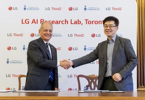 University of Toronto President Meric Gertler (left) and LG Electronics President and Chief Technology Officer Dr. I.P. Park (right). (Image: LG)