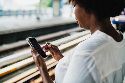 Many consumers prefer to communicate with companies through social media or messaging apps. (Image: Rawpixel, Unsplash)