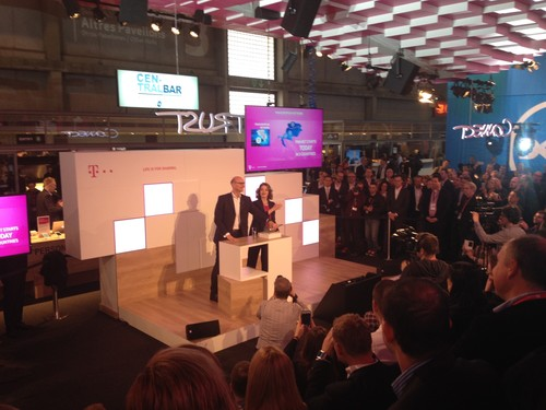Hottges and Nemat pulling the switch on the pan-European network launch at Mobile World Congress 2015.