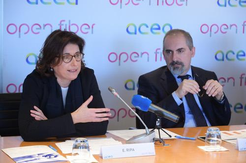 Open Fiber CEO Elisabetta Ripa and Acea Managing Director Stefano Donnarumma discuss the Rome collaboration.