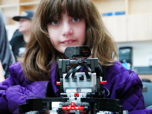 One of many children who benefits from Mozilla-funded Gigabots project in Kansas City. (Source: Mozilla)