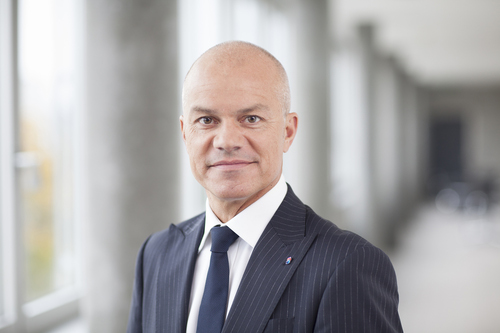 As CIO and CTO of Swisscom, Heinz Herren sets the service and ICT provider's technology direction and oversees its deployment and continued operation.