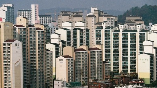 Multi-dwelling units in Seoul, where SK Broadband is deploying the 212MHz Gfast kit.
