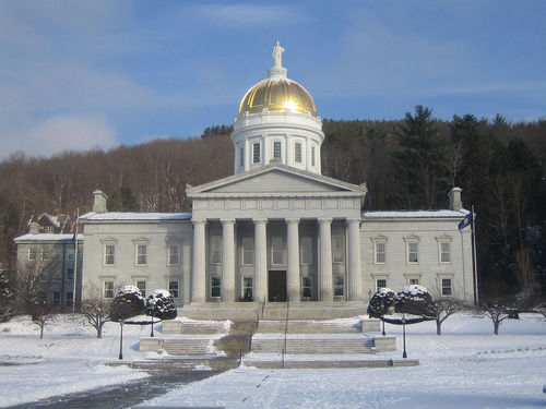 Inside the state government's building, legislators are working hard to encourage local and startup operators to deliver broadband services to rural residents of Vermont. (Image Source: Wikipedia)