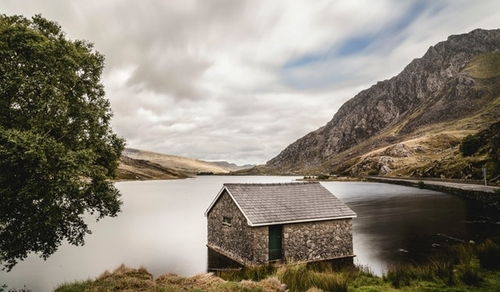Secluded spots are easy to find in Wales. It's also easy to be disconnected, and that's something the government wants to change. (Photo Source: Lukas Hartmann, Pexels)