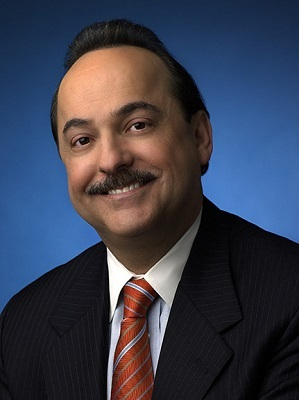 After 42 years at AT&T, Vice Chairman Ralph de la Vega is retiring from the service provider.